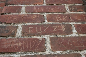 webster-grafitti-on-brick