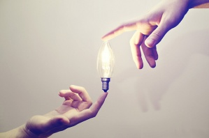 making-creative-connections-lightbulb